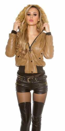Dámska krátka zimna bunda koženého vzhľadu Karamelová