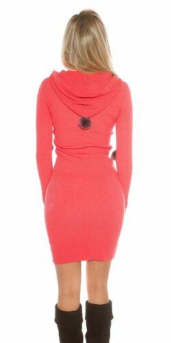 Dámske pletené šaty s brmbolcami Koralová