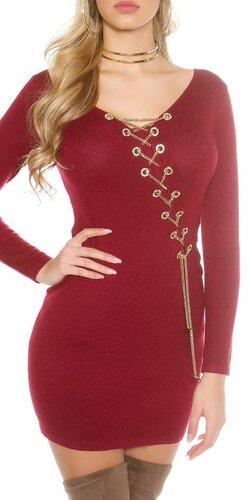 Dámske pletené šaty s dekoratívnou retiazkou Bordová