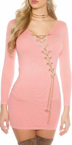 Dámske pletené šaty s dekoratívnou retiazkou | Bledá ružová