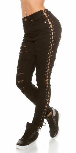 Dámske džínsy zničeného vzhľadu
