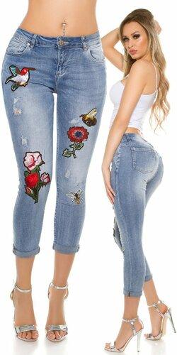 Dámske džínsy s výšivkami