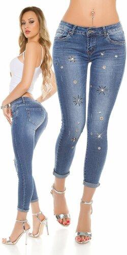 Dámske džínsy s dekoratívnymi prvkami