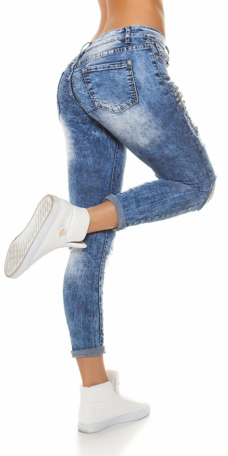 Dámske džínsy s nápismi