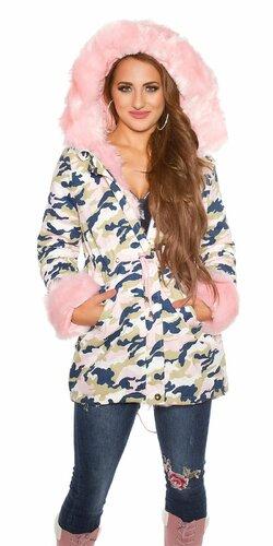 Bledá maskáčová bunda s ružovou kožušinou | Bledá ružová