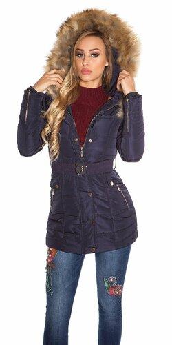 Dámska zimná bunda s opaskom a kožušinou na kapucni Tmavomodrá