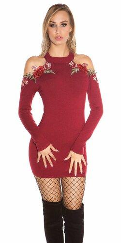 Úpletové šaty s odhalenými ramenami zdobenými kvetinovými výšivkami Bordová