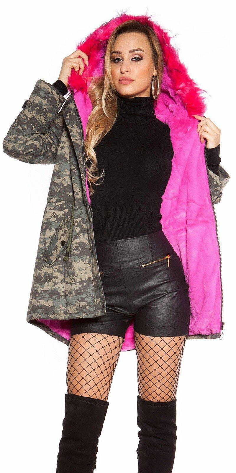 Maskáčová zimná bunda s ružovou kožušinou  Veľkosť M Farba Maskáčová e4a2deffada