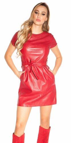 Mini šaty koženého vzhľadu s opaskom | Červená