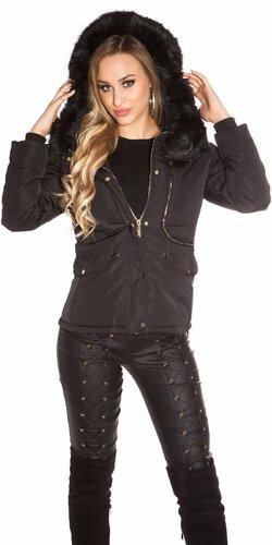 Prešívaná zimná bunda s kapucňou Čierna