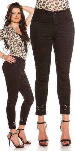Čierne džínsy s výšivkami | Čierna