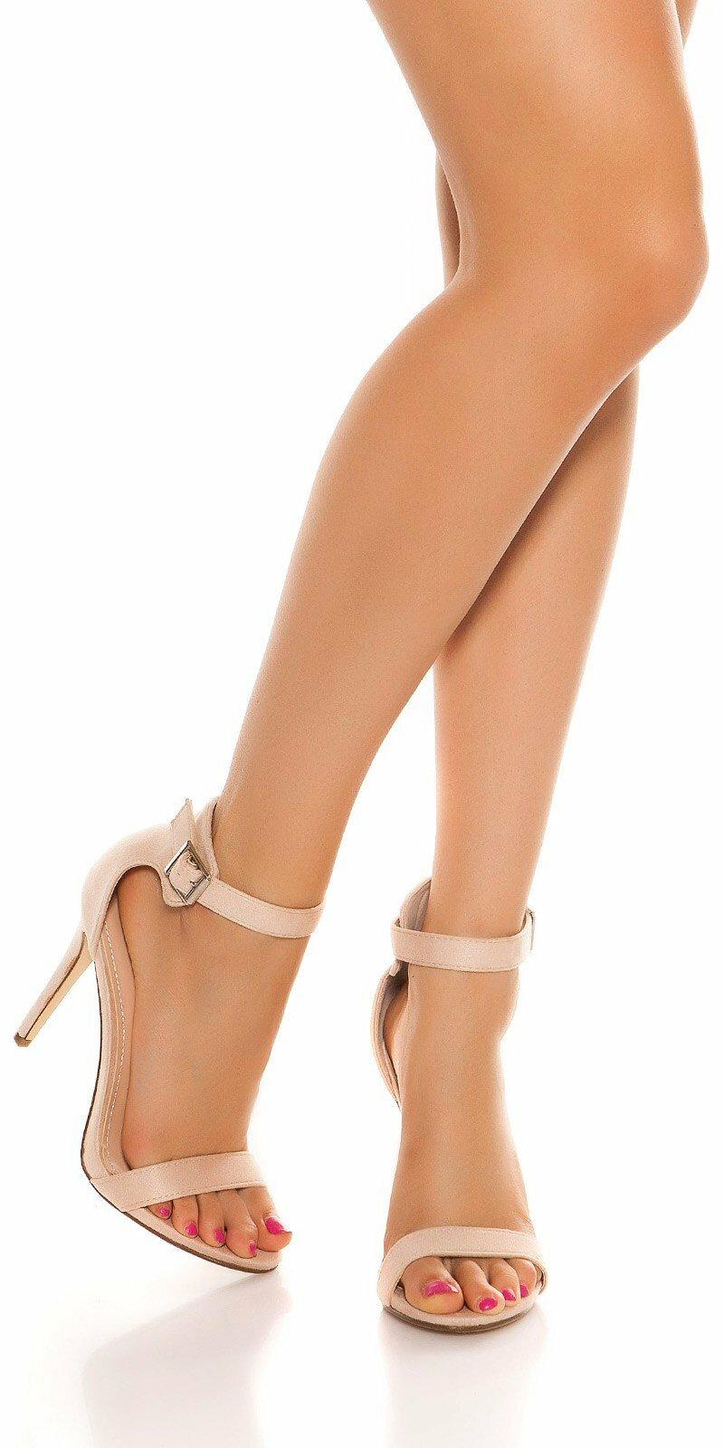7ec2291a7963 Sandále s remienkom na vysokom podpätku  Velkosť topánok 39 Farba Béžová