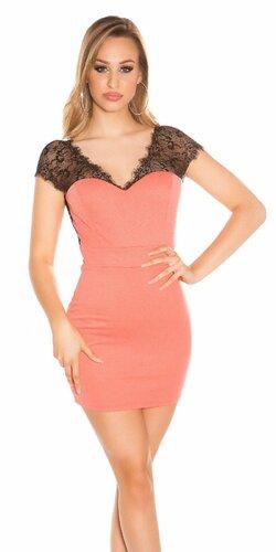 Mini šaty s čipkou a odhaleným chrbátom | Koralová
