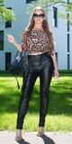 Moletkovské nohavice koženého vzhľadu Čierna