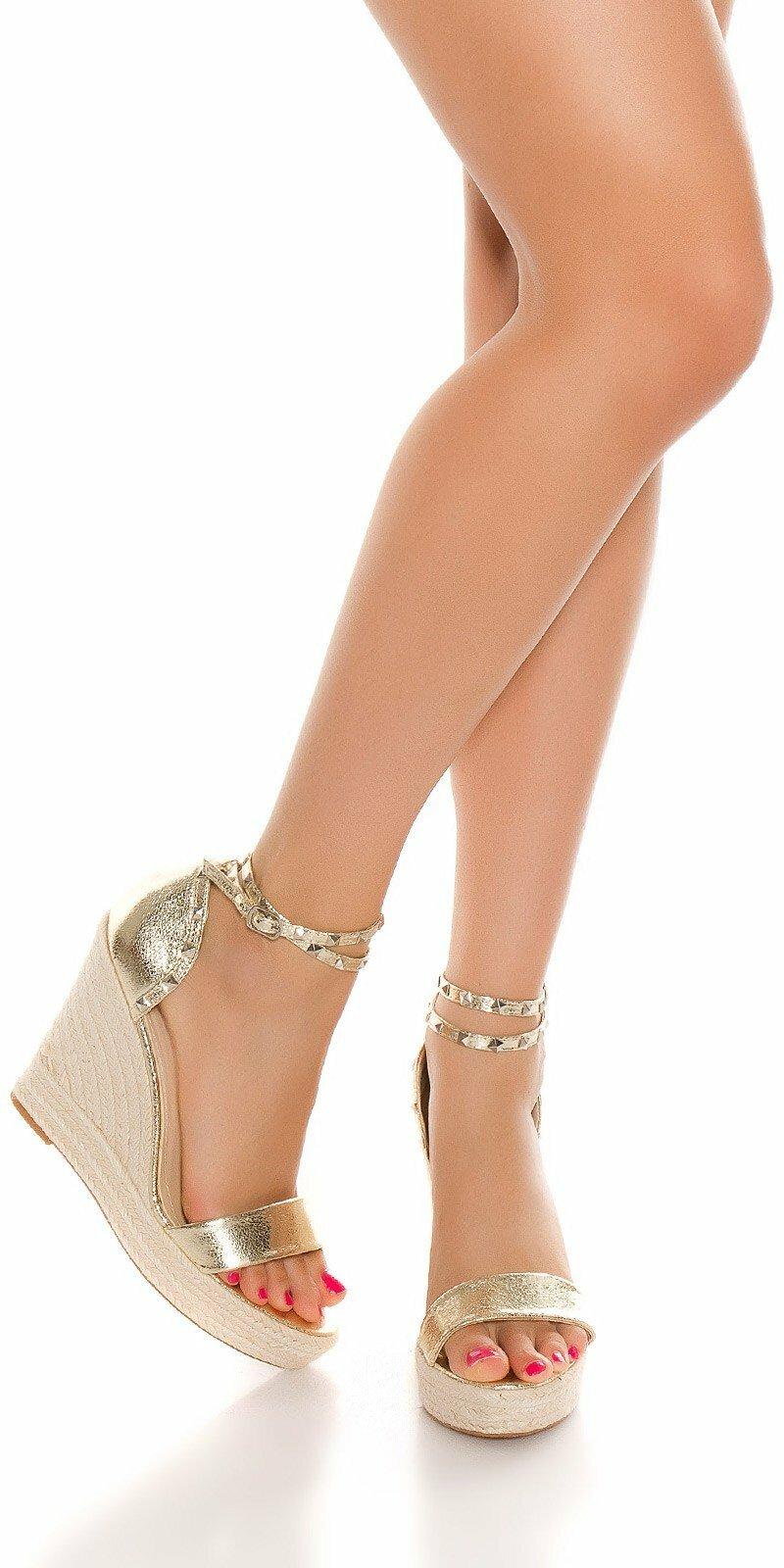 94d75b1558ac1 Zlaté sandále na platforme #Velkosť topánok 39 Farba Zlatá