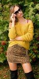 Štrikovaný sveter so šnurovaním Horčicová