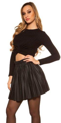Nariasená sukňa čiernej farby | Čierna