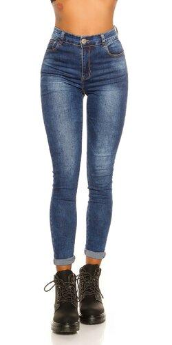 Modré džínsy s vysokým pásom