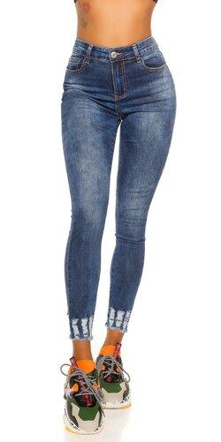 Vysoké džínsy s trhlinami