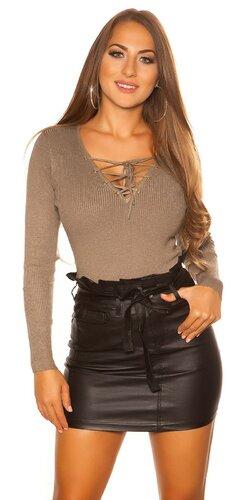 KouCla sveter so šnurovacím výstrihom | Cappuccino