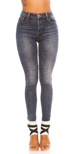 Vysoké tmavé džíny