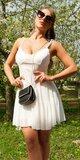 Klasické mini šaty na leto na ramienkach Biela