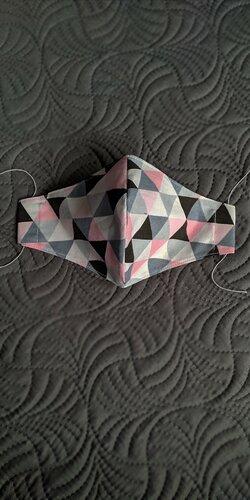 Tvarované dámske rúško ružové pyramídky