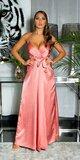 Luxusné saténové maxi šaty na úzkych ramienkach Marhuľová