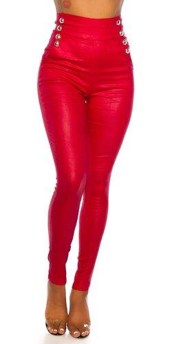 Vysoké nohavice s veľkými ozdobnými gombíkmi