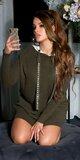 Dlhý sveter s lesklými kamienkami na šnúrkach Khaki