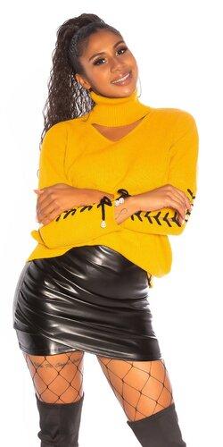 Značkový rolákový sveter so šnurovaním na rukávoch