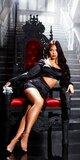 Odvážne mini šaty s vykrojeným pásom Čierna