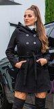 Gombíkový kabát s opaskom Čierna