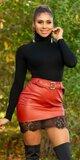 Kožená sukňa s čiernou čipkou Bordová