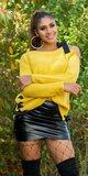 Pletený sveter s odhaleným jedným ramenom Horčicová