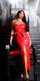 Dlhé kožené šaty na ramienka s opaskom Červená