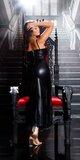 Dlhé kožené šaty na ramienka s opaskom Čierna
